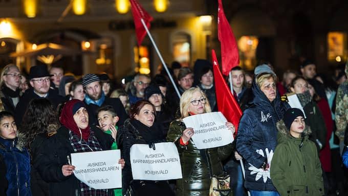 LÄNGESEN. Demonstration mot våldet mot Amin, pojken som brottades ner på Malmö Central 2015. Foto: CHRISTIAN ÖRNBERG