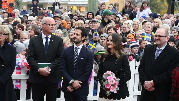 Prinsparet återhämtar sig i familjens stuga i Värmland