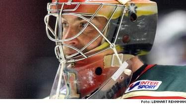 Sista säsongen för en av svensk hockeys stora - Frölundamålvakten Tommy Salo.