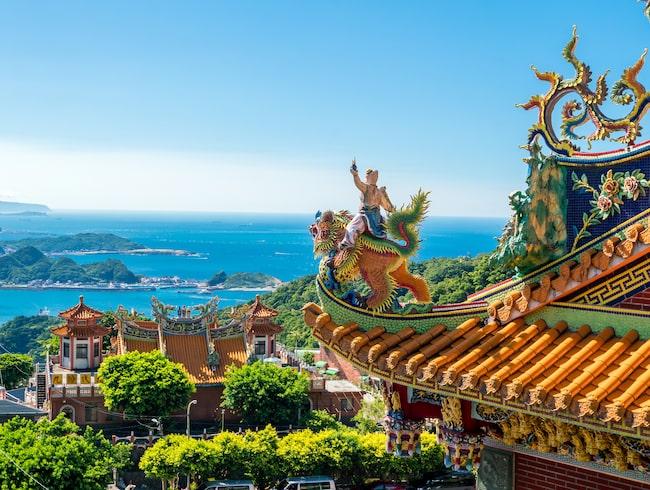 Taipei är huvudstad i Taiwan och har en alldeles egen identitet, en blandning av moderna skyskrapor och urgamla traditioner.