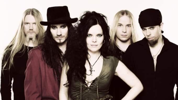 """Anette Olzon, tidigare sångerska i hårdrocksbandet """"Nightwish"""" har rest över hela världen. Men det var när hon nästan var framme vid bostaden i Helsingborg som hon blev överfallen och misshandlad. """"Det var väldigt obehagligt"""", säger hon. Foto: Spinefarm / Ville Juurikkala / Scanpix"""