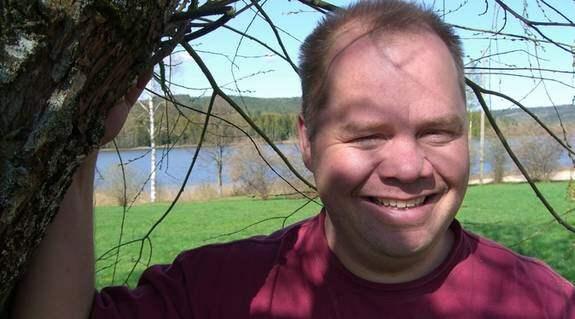 """Grisbonden Torbjörn Carlström från gården Edet har aldrig raggat upp någon brud - till hösten syns han i tv-programmet """"Bonde söker fru"""". Foto: Svensson Ylwa"""