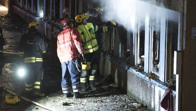 Det är fortfarande oklart vad som orsakade juldagens brand i en moské i Eskilstuna. Efter branden i Eskilstuna rapporterades om bränder vid moskéer både i Eslöv och i Uppsala. Senaste tidens attentat mot svenska moskéer är inte slumpmässiga, skriver författarna. Foto: Olle Sporrong