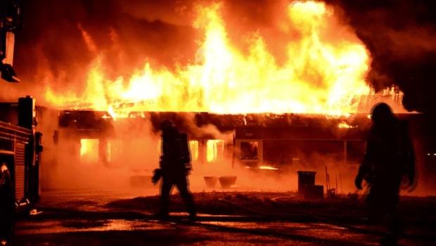 Tre asylboenden stod i brand under natten
