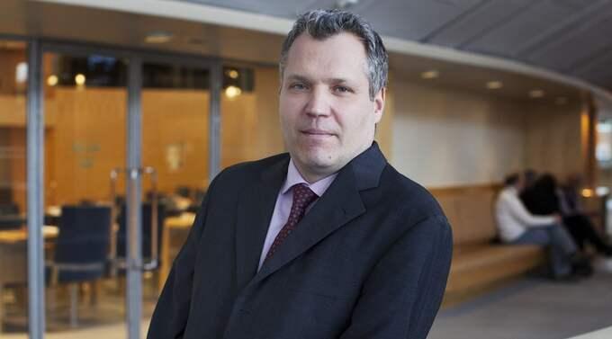 VILL SE ALTERNATIV. Socialdemokraternas nya ekonomisk-politiska talesman, Tommy Waidelich, har efterlyst alternativ till dagens system med rut-och rotavdrag. Foto: Olle Sporrong