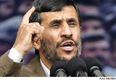 Irans president Mahmoud Ahmadinejad höll ett tal på söndagen där han hävdade landets rätt till nukleär utveckling.