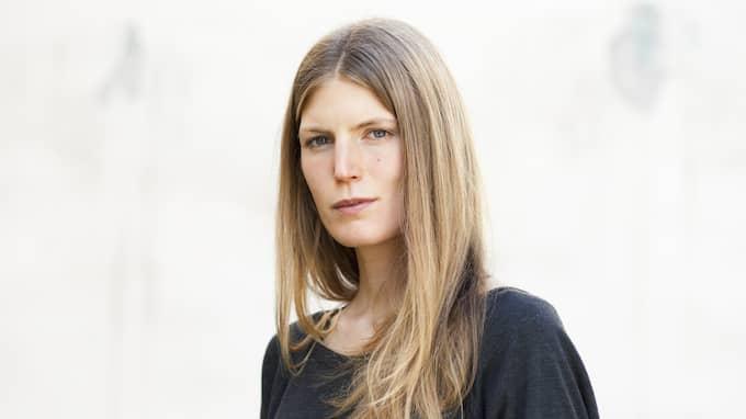 Helena Granström är författare och medarbetare på Expressens kultursida. Foto: ELIN STRÖMBERG / NATUR OCH KULTUR