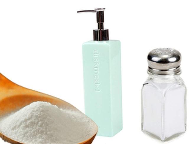 <span>Bakpulver, vanligt diskmedel och salt. Det har du förmodligen hemma – och kan därmed lätt slänga ihop ett eget maskindiskmedel.</span>