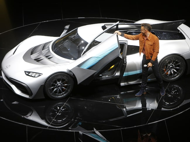 Mercedes Project One med Lewis Hamilton.