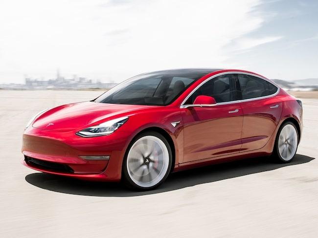 Ifo har jämfört utsläppen från en eldriven Tesla Model 3 över en hel livslängd...