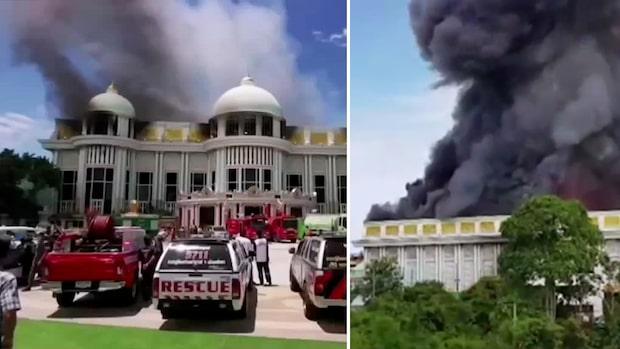 Här går palatset värt 600 miljoner upp i rök