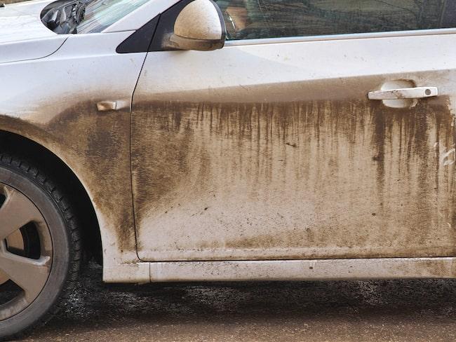 Bara 30 procent av svenskarna tvättar sin bil en gång i månaden.