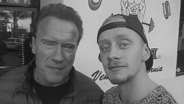 Svenske Chuck följde sin dröm - blev kompis med Schwarzenegger