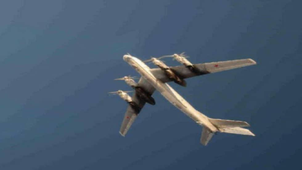 Det strategiska bombplanet TU-95 kan bestyckas med kärnvapen. Foto: Försvarsmakten