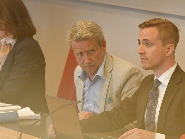 Rättegång mot Martin Timell - hör ljudet inifrån salen