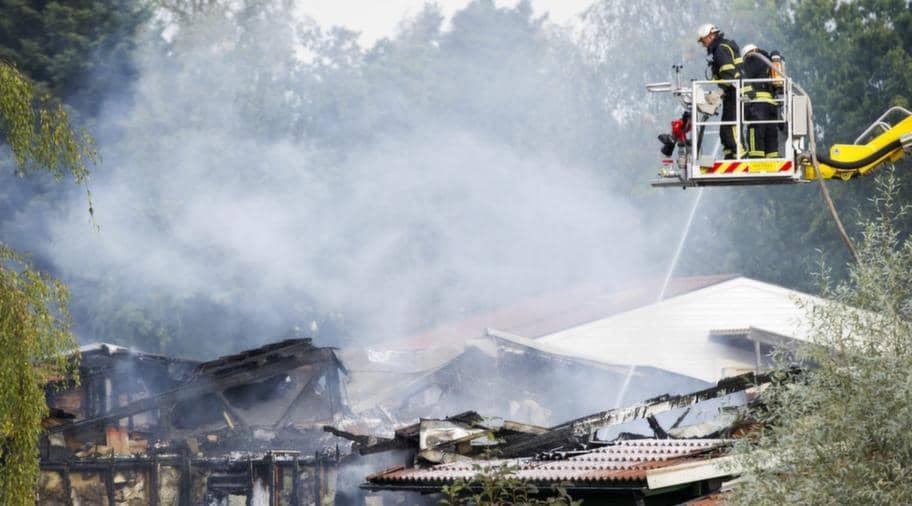 Radhus forstorda i valdsam brand
