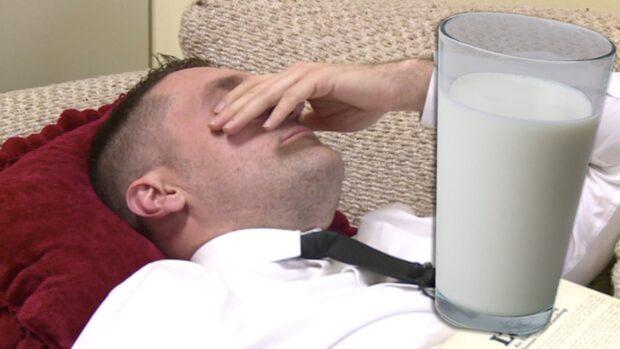Politikerna gjorde mjölken laglig – blev sjuka när de drack den
