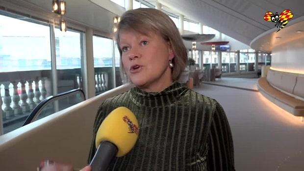 Ulla Andersson stödjer Dadgostar