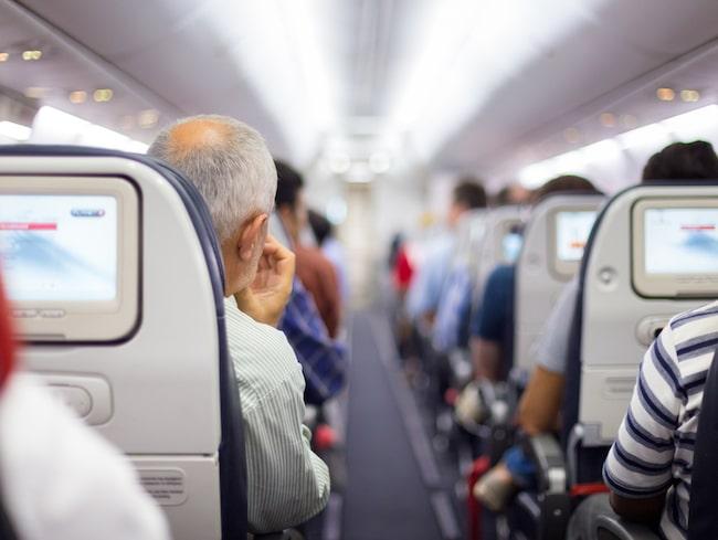 Passagerarna fick rycka in när flygplanet var trasigt.