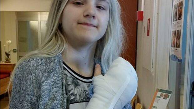 Moa, 17, lider av PROS