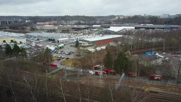 Farlig rök från storbrand på läkemedelsfabrik
