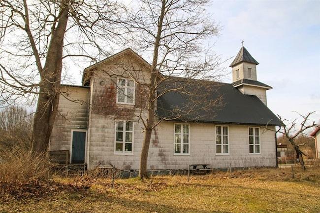 Två våningar och fyra rum och kök kan bli ditt för endast 465 000 kronor.