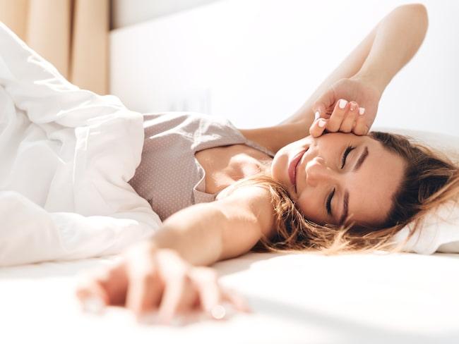 Som singel slipper man höra på någons snarkningar eller bråka om täcket om natten.