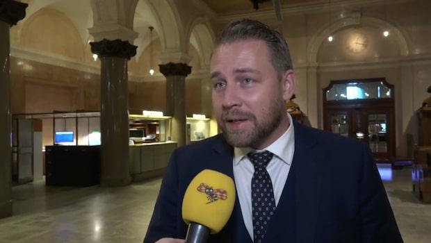 """Karlsson: """"Lyssna på dina väljare Kristersson"""""""