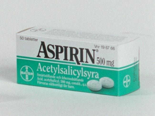 Tidigare har man gett rådet till äldre att äta en tablett innehållande acetylsalicylsyra, till expempel Aspirin, om dagen. Nu visar en ny studie att det är direkt farligt.