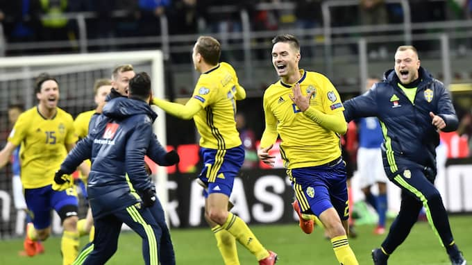 Lustig och de andra hjältarna jublar efter 0-0 på San Siro. Foto: JONAS EKSTRÖMER/TT / TT NYHETSBYRÅN