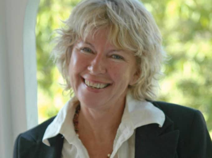 June Carlsson avled under måndagen i sviterna efter bröstcancern.