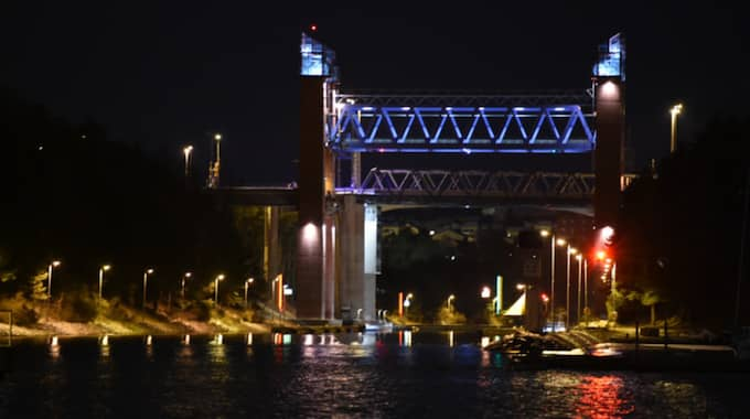 Bron går över Södertälje kanal. Foto: Pontus Stenberg
