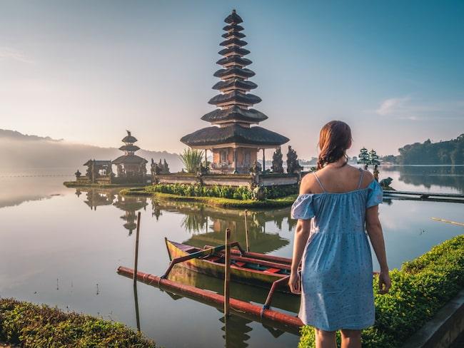 Balis tempel slits svårt av överturismen.