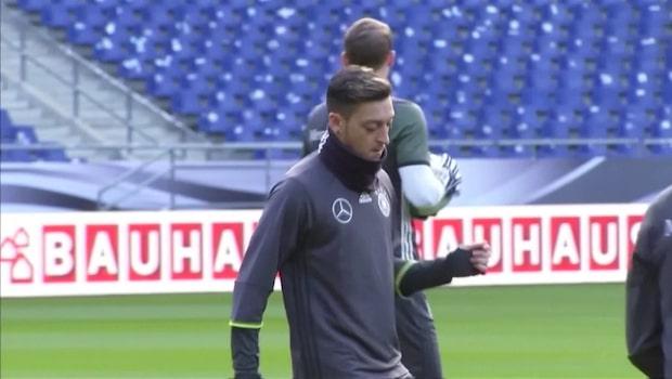 Mesut Özil slutar i landslaget – efter rasismen