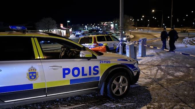 Två män har skottskadats på en pizzeria i Flogsta i Uppsala. Foto: / ALEX LJUNGDAHL