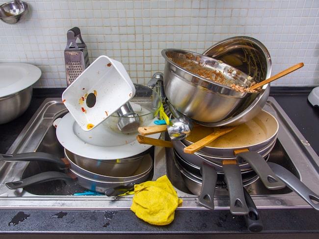 Att lämna smutsig disk frammr är kanske inte så bra – om det är gästerna du vill behaga.