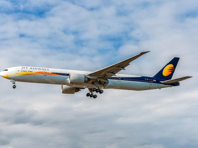 Det var mitt under en Jet Airways-flight mellan London och Bombay som planets två piloter började gräla, varpå båda lämnade cockpiten.