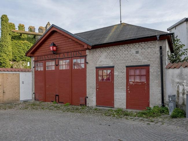 Nu har du chansen att ta över den gamla brandstationen med utsikt över Visby ringmur.