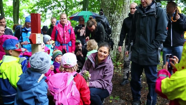 Kronprinsessan vandrar genom Sverige