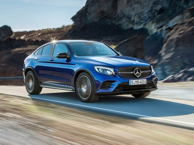 Mercedesen tar hem matchen om säkerhet och förarstöd.