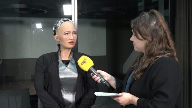 Kändisroboten är för första gången i Sverige