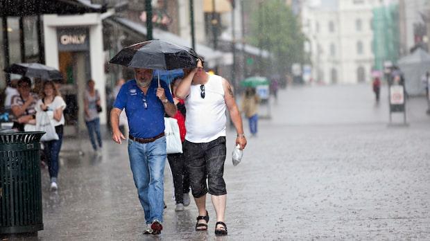 Regnigt och blåsigt i stora delar av landet
