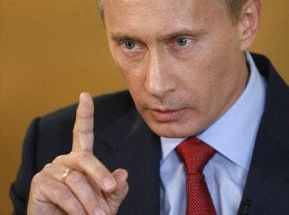 """HOTET FRN ØST. Sverige består av nio miljoner invånare, Putins Ryssland av runt 140 miljoner. """"Om den ökande osäkerheten kring landets framtid skulle transformeras till ett militärt hot kommer vi aldrig ensamma att kunna möta en sådan utmaning"""", skriver FP:s Allan Widman. Foto: ALEXEI DRUZHININ/AP"""