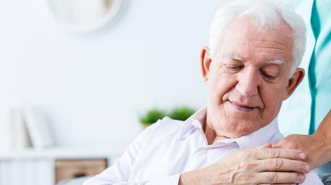 Iranska forskare har undersökt hur så kallad probiotika - goda bakterier - påverkar minnet och tankeförmågan hos personer med Alzheimers sjukdom.