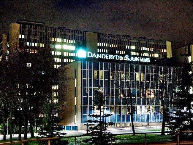 Kejsarsnittet genomfördes på Danderyds sjukhus.