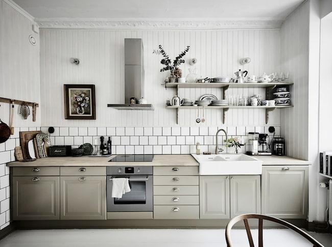 Köket i Johanna Bradfords underbara lägenhet i Göteborg. Nu ligger lägenheten ute till försäljning.