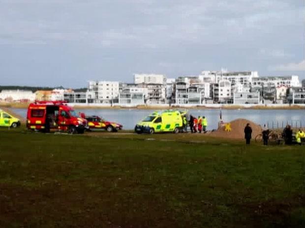 Person i vattnet i centrala Kalmar – stort räddningspådrag
