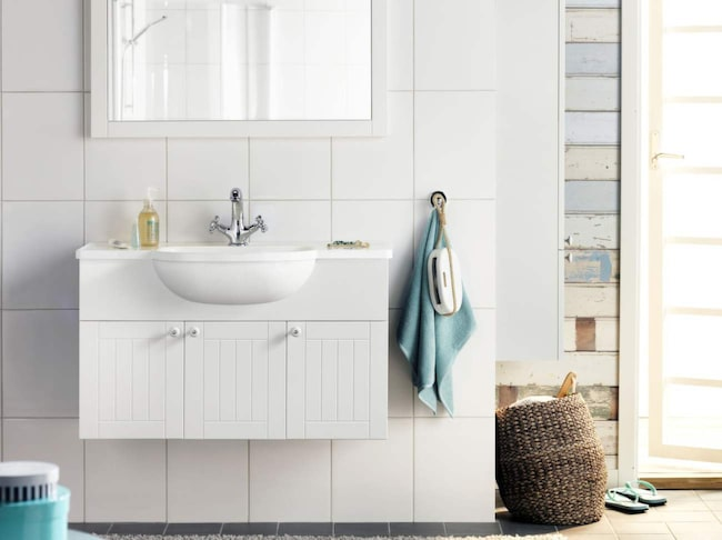 Vid val av klinker och kakel, fundera över hur du vill att badrummet ska upplevas. Små kakelplattor gör att badrummet upplevs mindre.