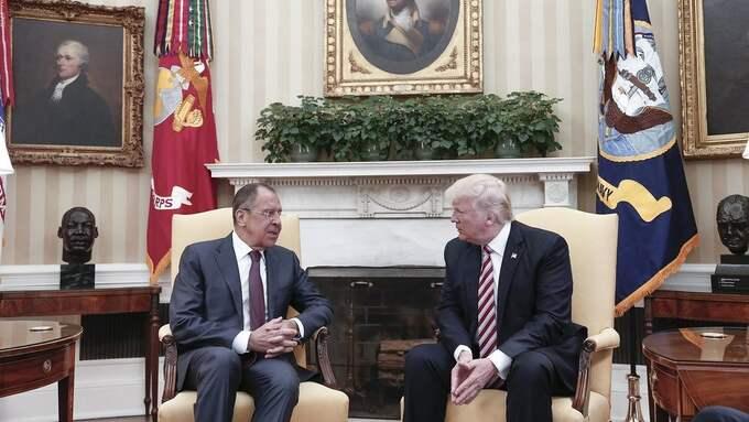 Lavrov och Trump i Vita huset för några dagar sedan. Foto: RUSSIAN FOREIGN MINISTRY HANDOUT / EPA