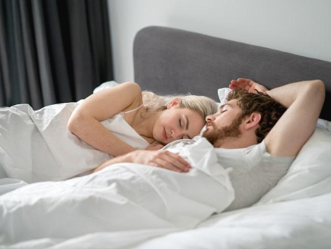 Men en av tio byter inte sina sänglakan mer än en gång i månaden.